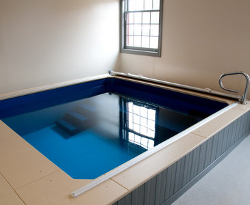 Endless Pools basen terapeutyczno-treningowy Waterwell